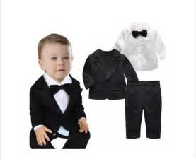 modelos modernos para gorras tejidas con ropita para bebés trajes de bebe completos 5