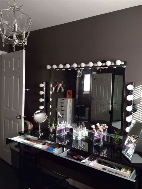 black makeup vanity 25 best ideas about vanity makeup rooms on