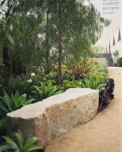 lovely banc bloc pierre gardens pinterest bloc With lovely amenagement jardin avec pierres 2 mur de pierre muret de pierre exterieur profil jardins