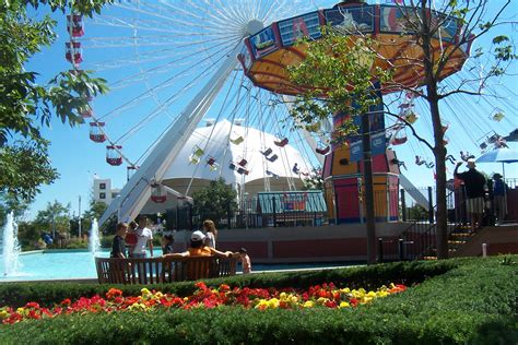 Boat Rides At Navy Pier by Chicago Pictures