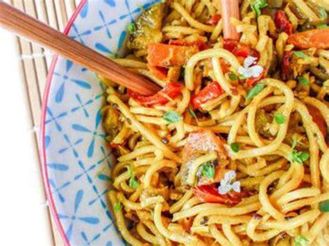 comment cuisiner des nouilles chinoises recettes de nouilles chinoises et lait