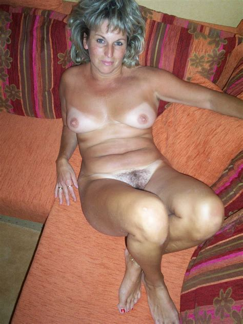 Amateur Hairy Mature Old Blonde Milf With Tanlines Wearing