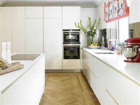 electromenager cuisine encastrable 73 idées de cuisine moderne avec îlot bar ou table à manger