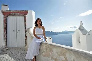 Santorini proposal photo tour proposal wedding for Wedding photographer for 2 hours