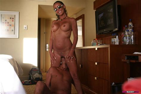 Wife Bucket Naked Wives Home Porn Amateur Swingers