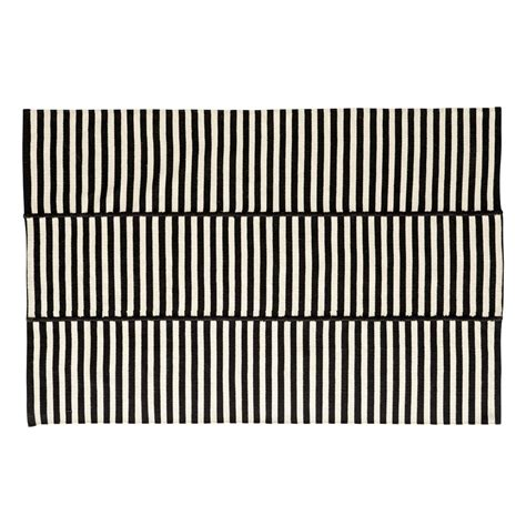 black and white striped rug 8x10 8x10 black and white indoor outdoor rug the land of nod