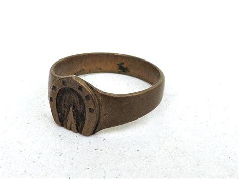 fer a cheval porte bonheur bague de poilu en bronze fer 224 cheval porte bonheur