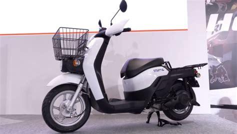 honda d 233 voile une honda d 233 voile une moto cross et un scooter 233 lectriques le mauricien