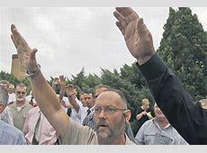 Afrikaners' Nazi salute at Terreblanche funeral