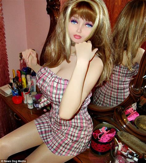 'Human Barbie' Lolita Richi from Ukraine is just 16 and claims she's had no surgery | Daily Mail ...