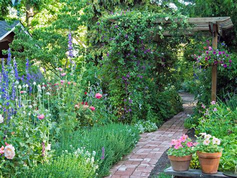 ways  create  english garden northern nester