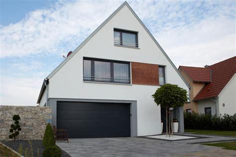 Haus Mit Integrierter Garage Grundriss by Haus Mit Garage Minecraft Modernes Haus Mit Garage Bauen