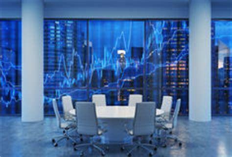 salle de conf 233 rence panoramique dans le bureau moderne paysage urbain des gratte ciel de new
