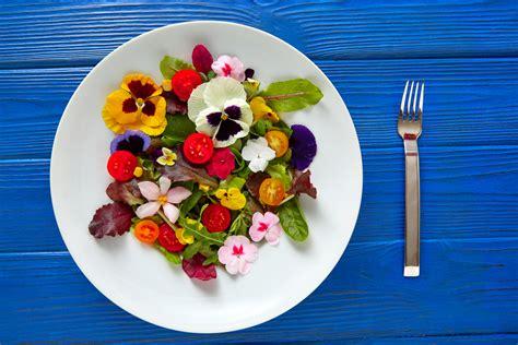 cuisiner avec les fleurs comment cuisiner avec des fleurs comestibles