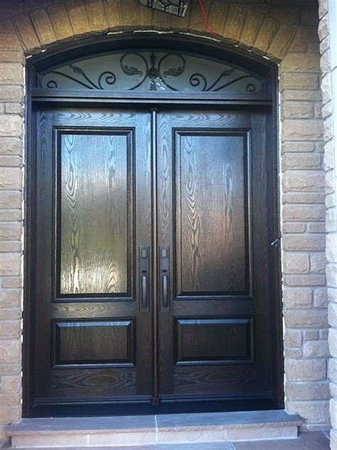 fiberglass doors firnt entry doors woodgrain  foot solid