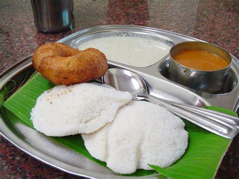 tamil cuisine file idly sambar vada jpg wikimedia commons