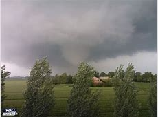 Mutliple tornadoes in north Italy, between Modena and