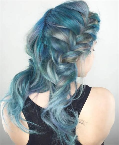 gimme the blues bold blue highlight hairstyles