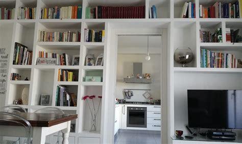 librerie a ponte la libreria a ponte nel living casafacile
