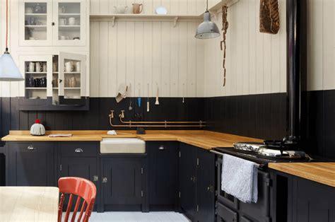 cuisine noir et bois 1001 idées cuisine noir mat et bois élégance et sobriété