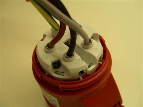 kraftstromsteckdose anschliessen lichtschalter beschriftung