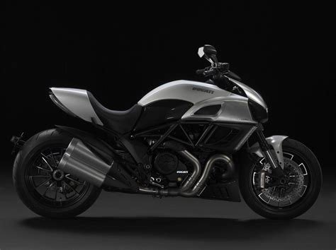 Review Ducati Diavel by 2011 Ducati Diavel Picture 382494 Motorcycle Review