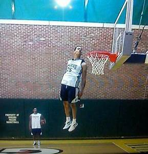 Pacers' Gerald Green can get entire head above rim. Wow ...