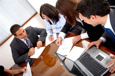commercial real estate loan officer description