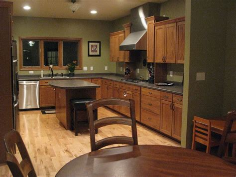 neutral kitchen paint colors with oak cabinets