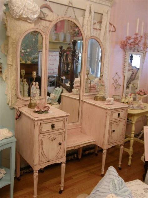 shabby chic vanity best 25 shabby chic vanity ideas only on pinterest vintage vanity painted makeup vanity and