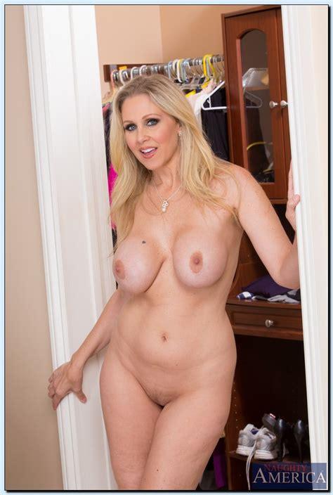 Naughty Reward From Hot Mommy Julia Ann Milf Fox