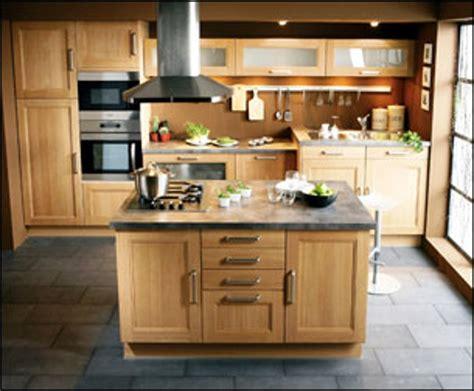 table de cuisine en pin table ilot central de cuisine avec plateau en marbre