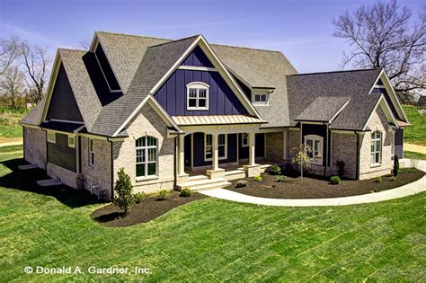 Craftsman Style House Plan 4 Beds 4 Baths 2966 Sq/Ft