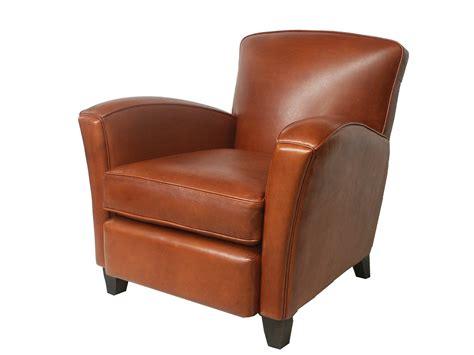 sur le canapé le fauteuils