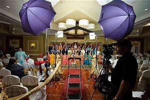 wedding photography lighting large groups With best lighting for wedding photography