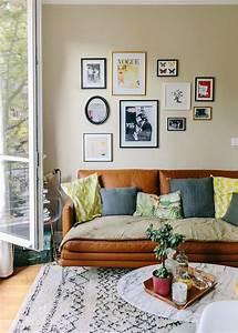 les 25 meilleures idees de la categorie coussins jaunes With couleur tendance pour salon 8 10 coussins pour un salon scandinave cocon de decoration