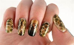Polished princessnell snakeskin nail art