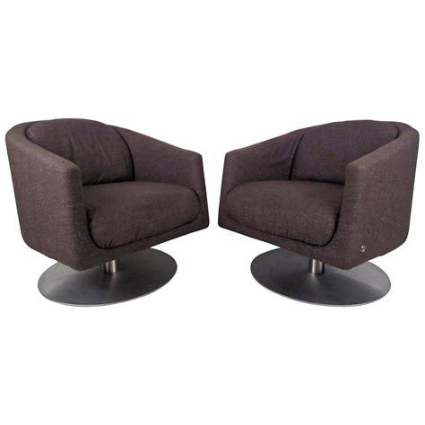 Natuzzi Swivel Chair by Pair Of Mid Century Natuzzi Swivel Lounge Chairs At 1stdibs