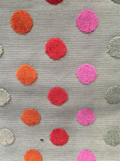 tissus ameublement fauteuil velours cuisine tissus velours 195 pois citeaux mural tissu ameublement fauteuil voltaire tissu