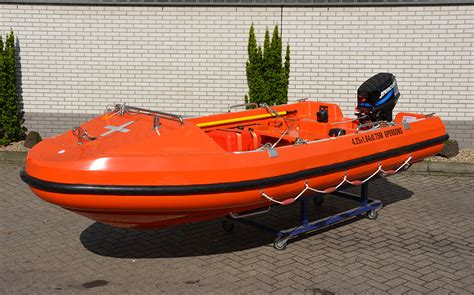 Types Of Rescue Boats by Repair Of Lifeboats Rescue Boats Ribs Davits And