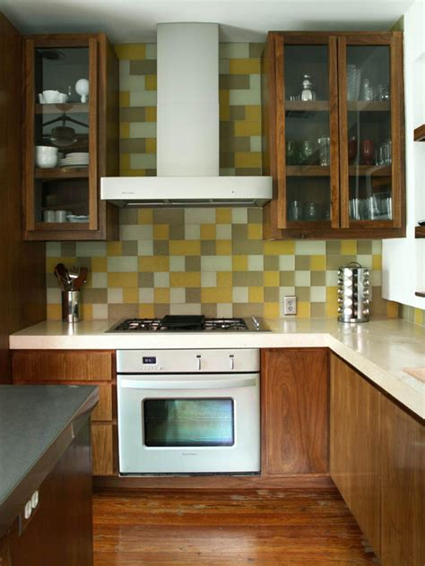 Yellow Paint for Kitchens: Pictures, Ideas & Tips From
