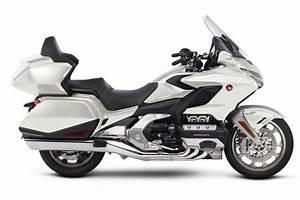 Goldwing 1800 2018 : 2018 honda gold wing first look 18 fast facts ~ Medecine-chirurgie-esthetiques.com Avis de Voitures