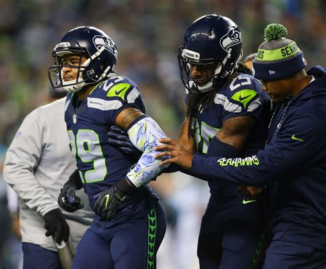 seahawks fs earl thomas   year  fractured tibia