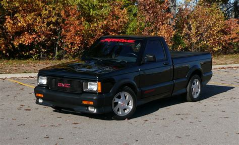 GMC Car : Twelve Trucks Every Truck Guy Needs To Own In Their Lifetime