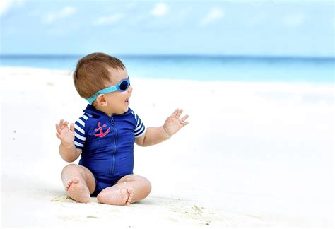 Keep Your Baby Out Of The Sun And Other Golden Sun Safety