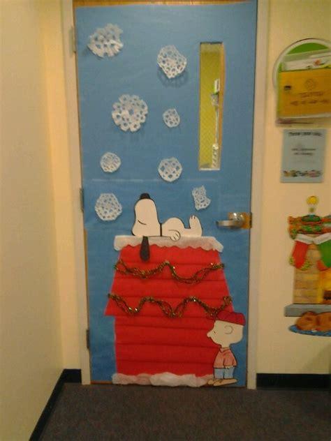 Snoopy Classroom Door Decorations by Best 25 Snoopy Classroom Ideas On Classroom