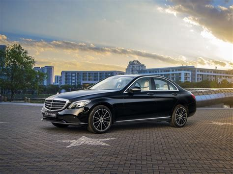 mercedes  exclusive  phong cach lich lam  trong