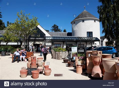 store outlet stock  store outlet stock images alamy