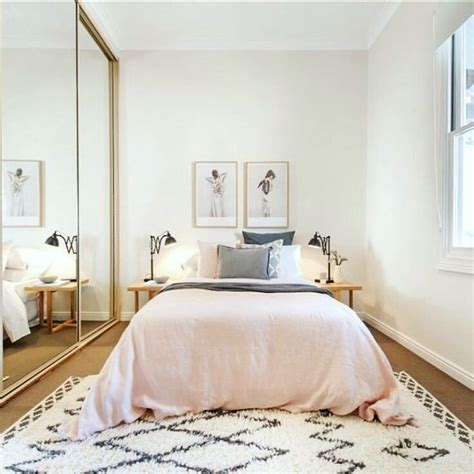 Bedroom Ideas For Small Rooms For Couples by Best 25 Bedroom Decor Ideas On Bedroom