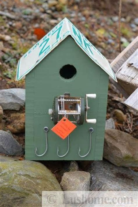 recycling ideas  making rustic birdhouses  salvaged